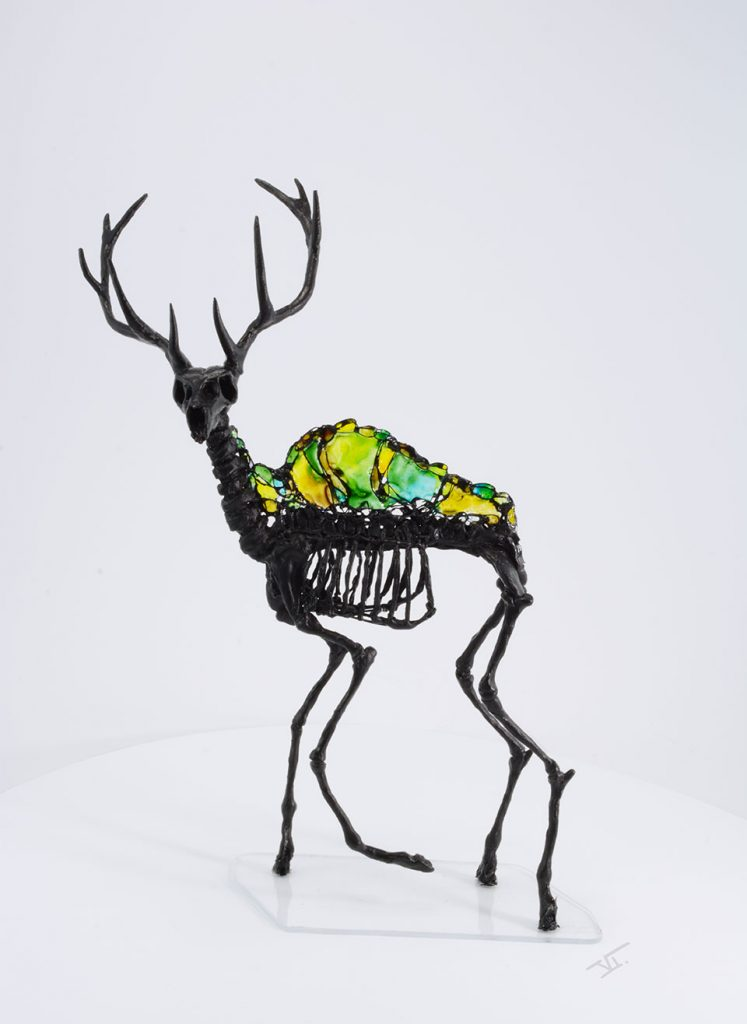 sculpture squelette de cerf face